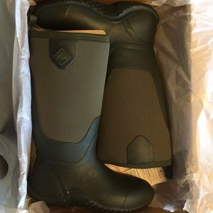 Blaze Tall Moss Muck Boot Size 10